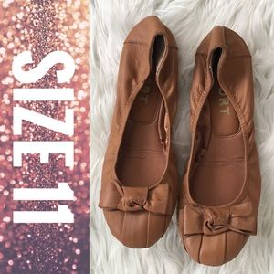 Report Ballet Flats